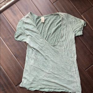 Worn once! Free People linen blend tee. XS